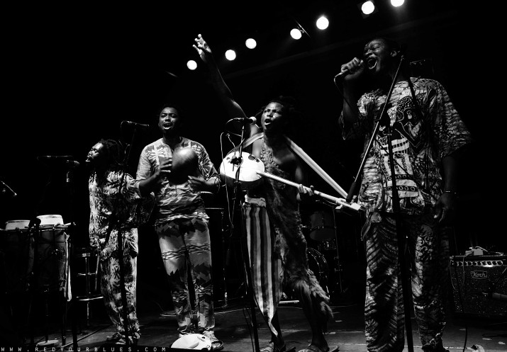 King Ayisoba and Band  (pic by redyourblues)